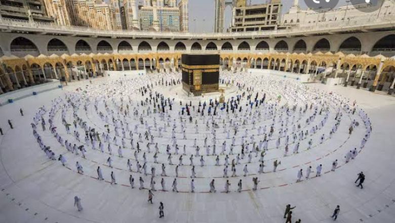 Saudi To Allow 60,000 Vaccinated Residents To Perform Hajj